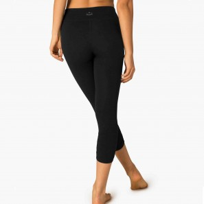 Beyond Yoga - Essential Gathered Capri Legging - SP3007