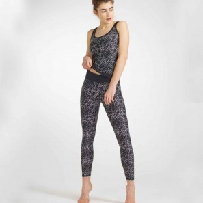 POST GRAFIK – LEGGINGS VON TEMPS DANSE