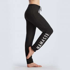 Hose Affetto mit Namaste Yoga Aufschrift Temps Danse Paris
